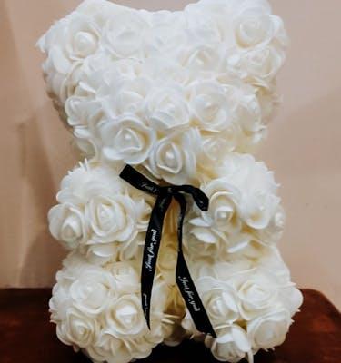 Μεγάλο Αρκουδάκι από Λευκά Τριαντάφυλλα
